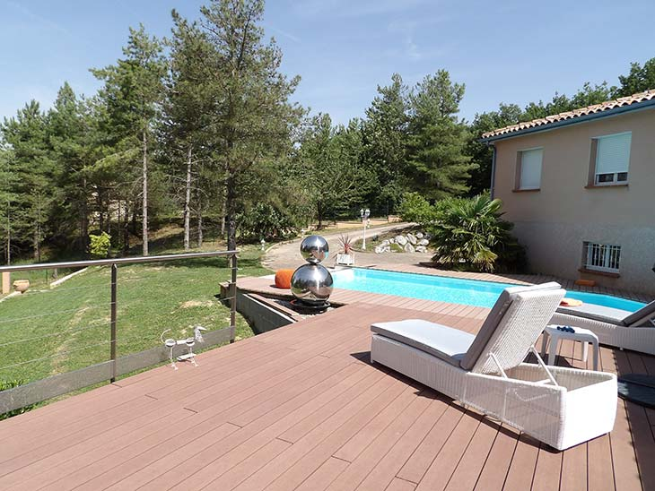 Am nagement terrasse plancher et piscine coque maisons for Budget construction piscine